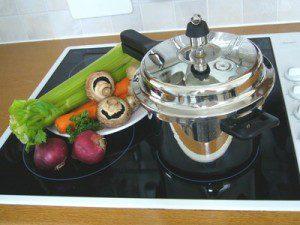 Backofen Alternative: Kochen mit Schnellkochtopf